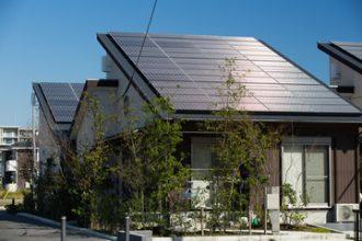 Ambitieus aanbestedingsproject moet drempels voor zonnepanelen wegnemen