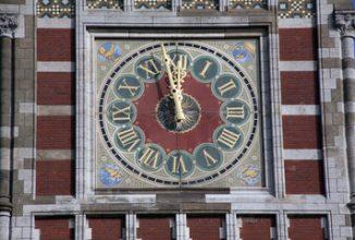 Amsterdam vervroegt aanbesteding bancaire dienstverlening